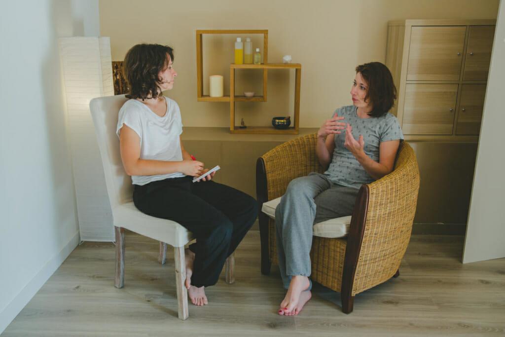 Entretien avec une élève de l'école de massage à Dijon. L'accompagnement personnalisé à une place centrale au sein de l'école de massage.